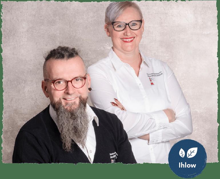 Zwei Mitarbeiter des Standorts Ihlow