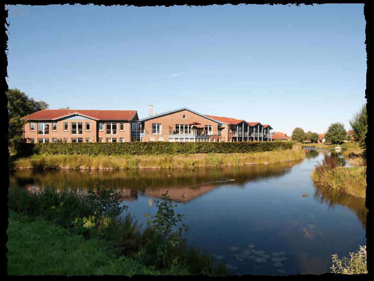 Seniorenwohnpark Nordlicht Standort Ihlow mit See.